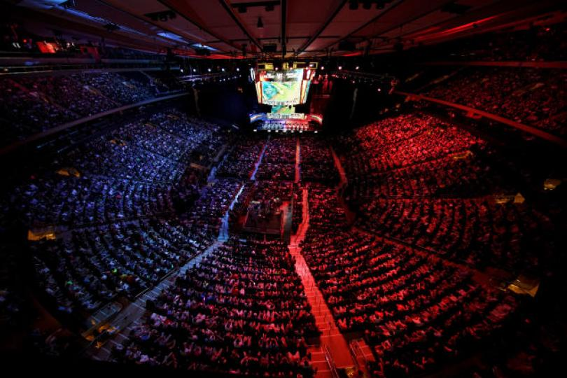 League of Legends frequently runs it's finals in Madison Square Garden, New York and can fill out the entire arena. An incrdible testament to the eSports appeal of hit competitieve games.