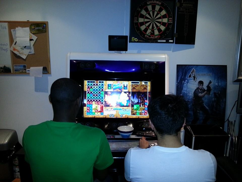 ^ An intense puzzle fight starting your truly! The original Super Puzzle Fighter 2 Turbo is an incredibly fun and addictive game. Easy to pick up and play yet with a lot of depth and skill involved, it's a perfect party game.