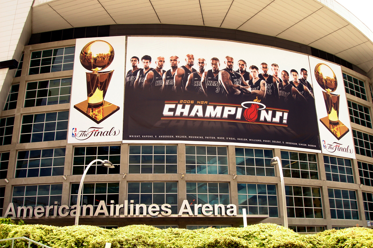 Metro Signs printed and installed the Miami Heat first NBA championship banner at the American Airlines Arena in 2006.