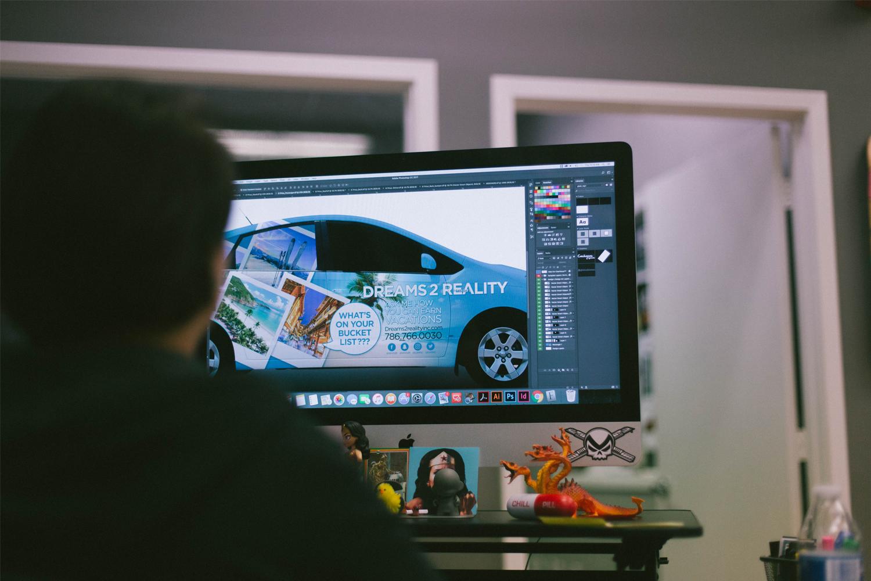 about_design_sasha_designer.jpg