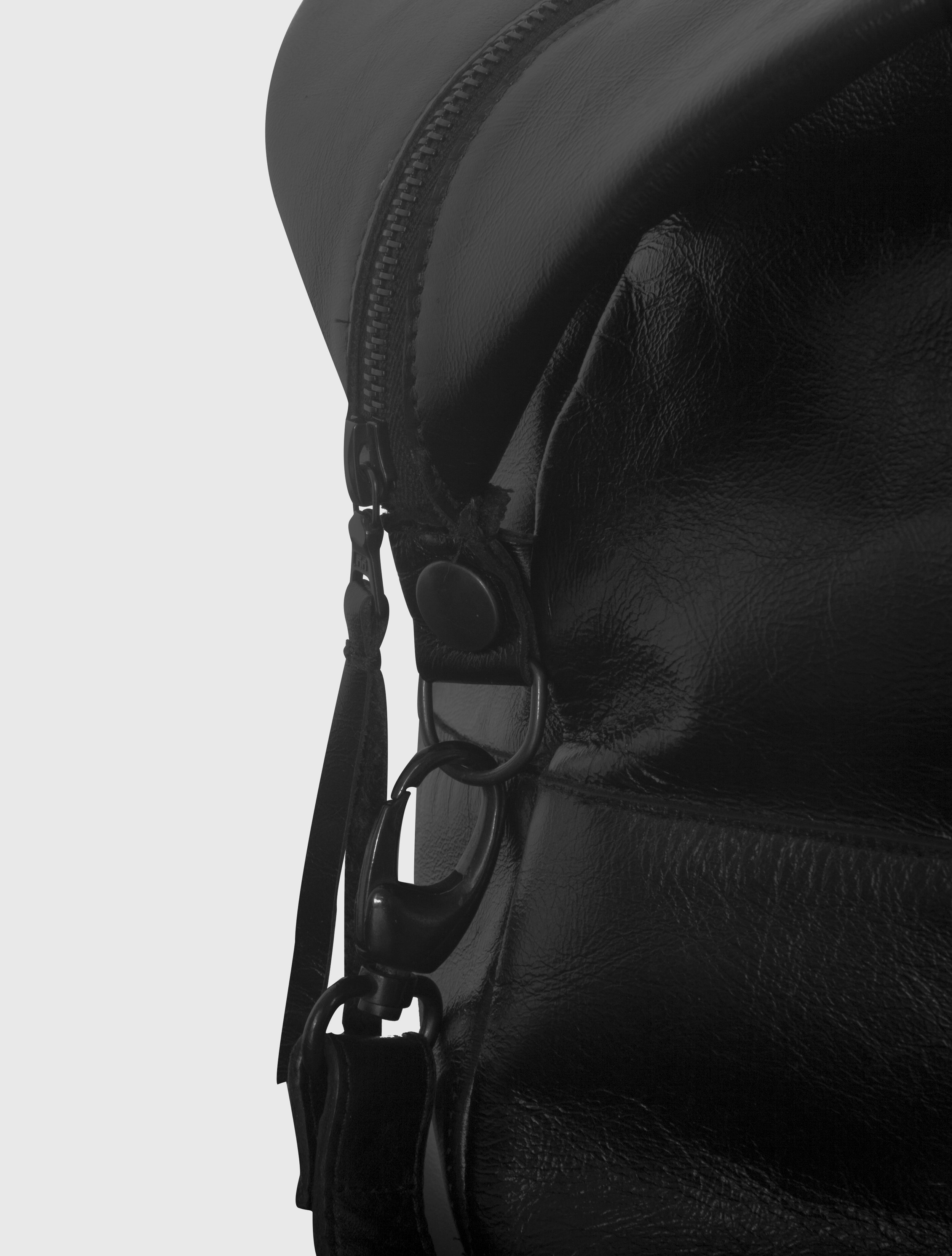 2015-16 HOLDALL - BLACK DETAIL.jpg