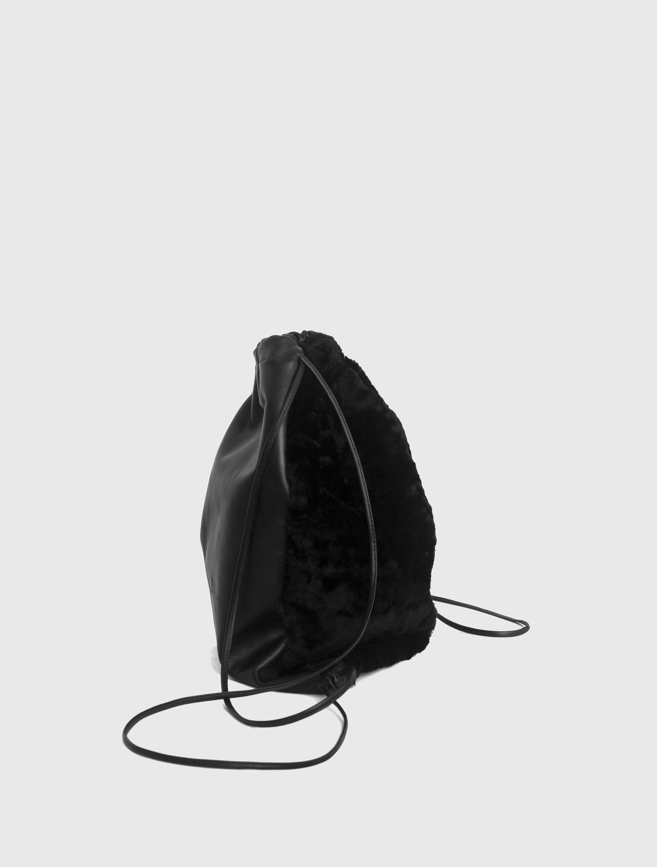 DRAWSTRING BACKPACK_0001_Layer 3.jpg
