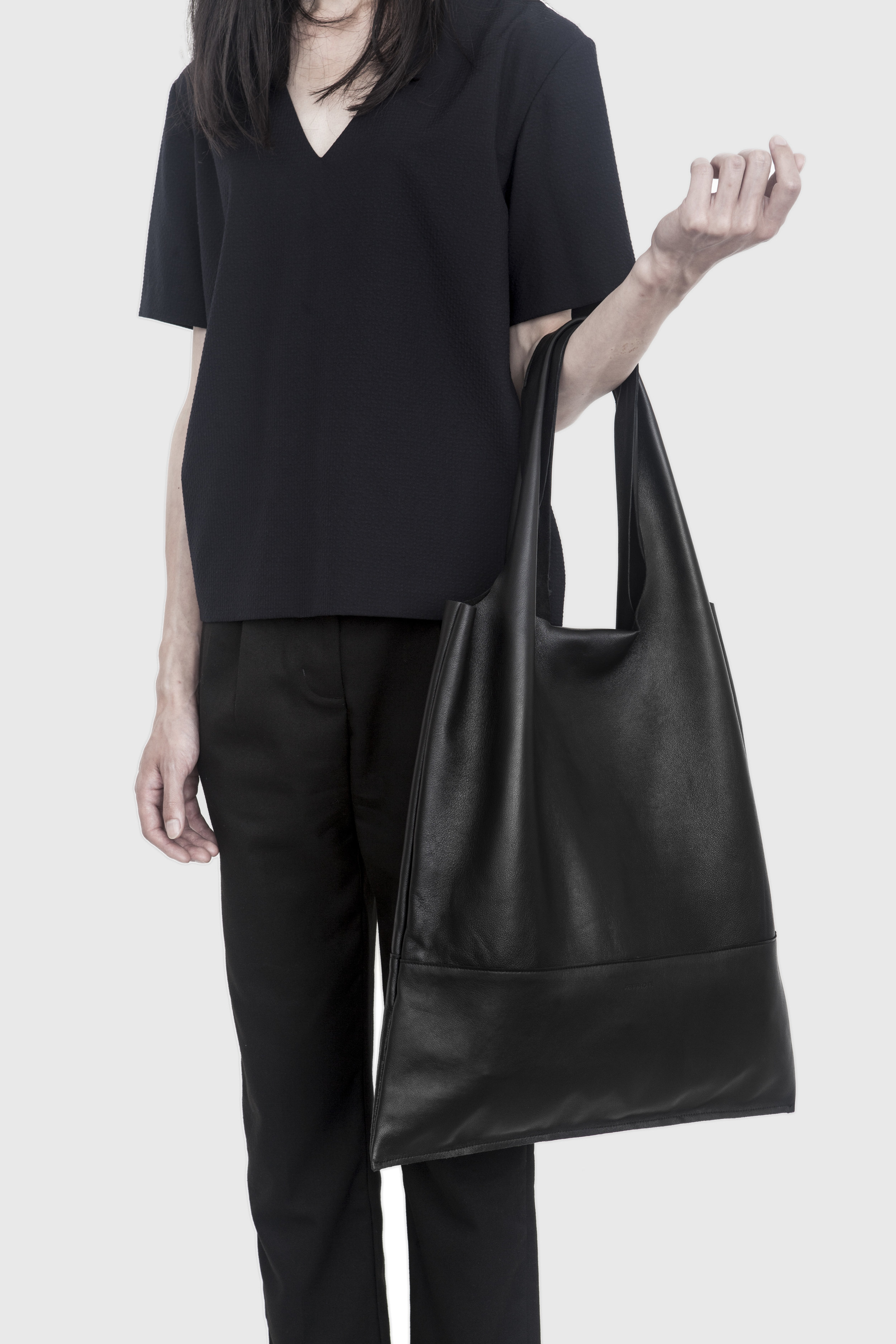 SHOPPER - BLACK LAMB MODEL.jpg