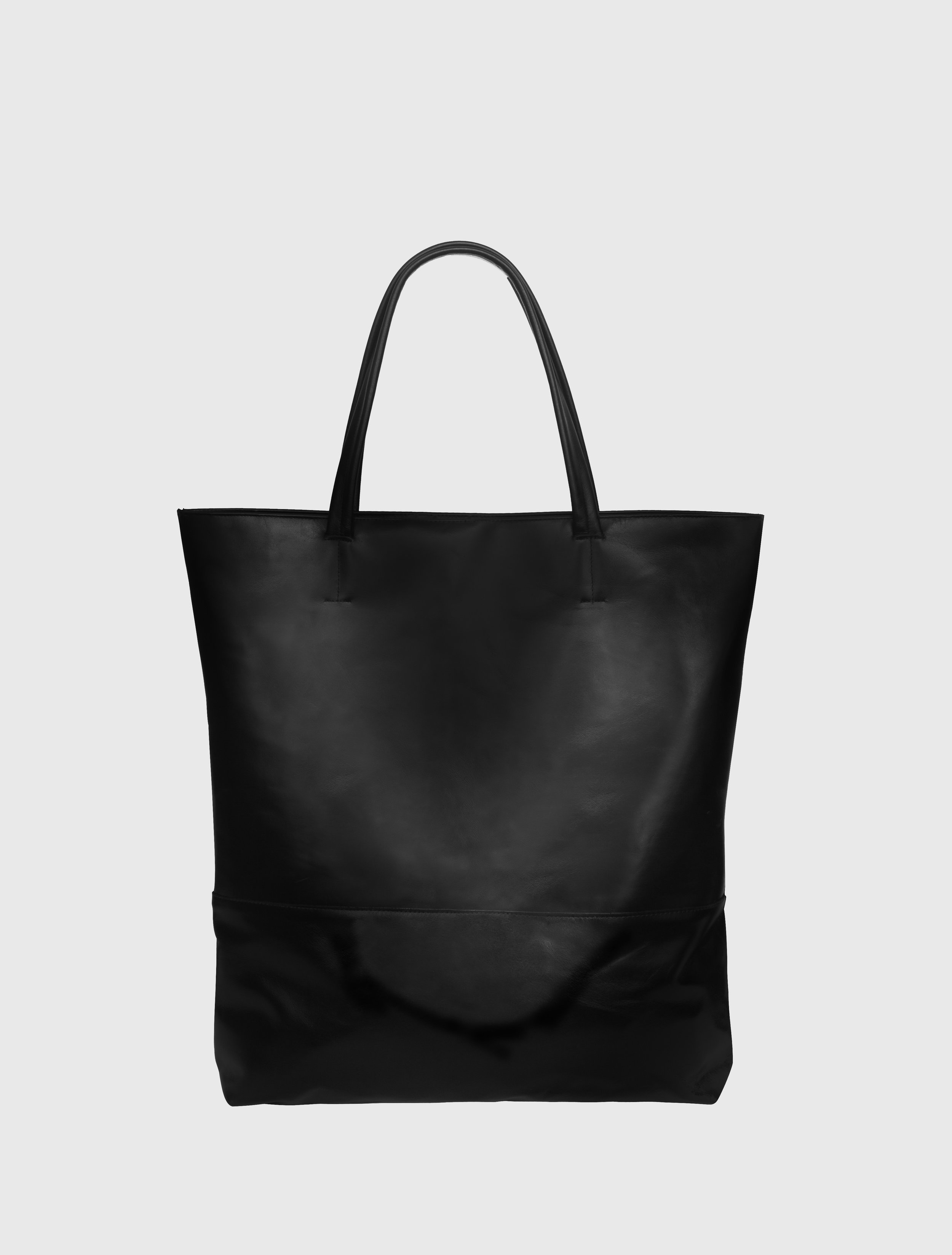 TOTE - BLACK BACK.jpg