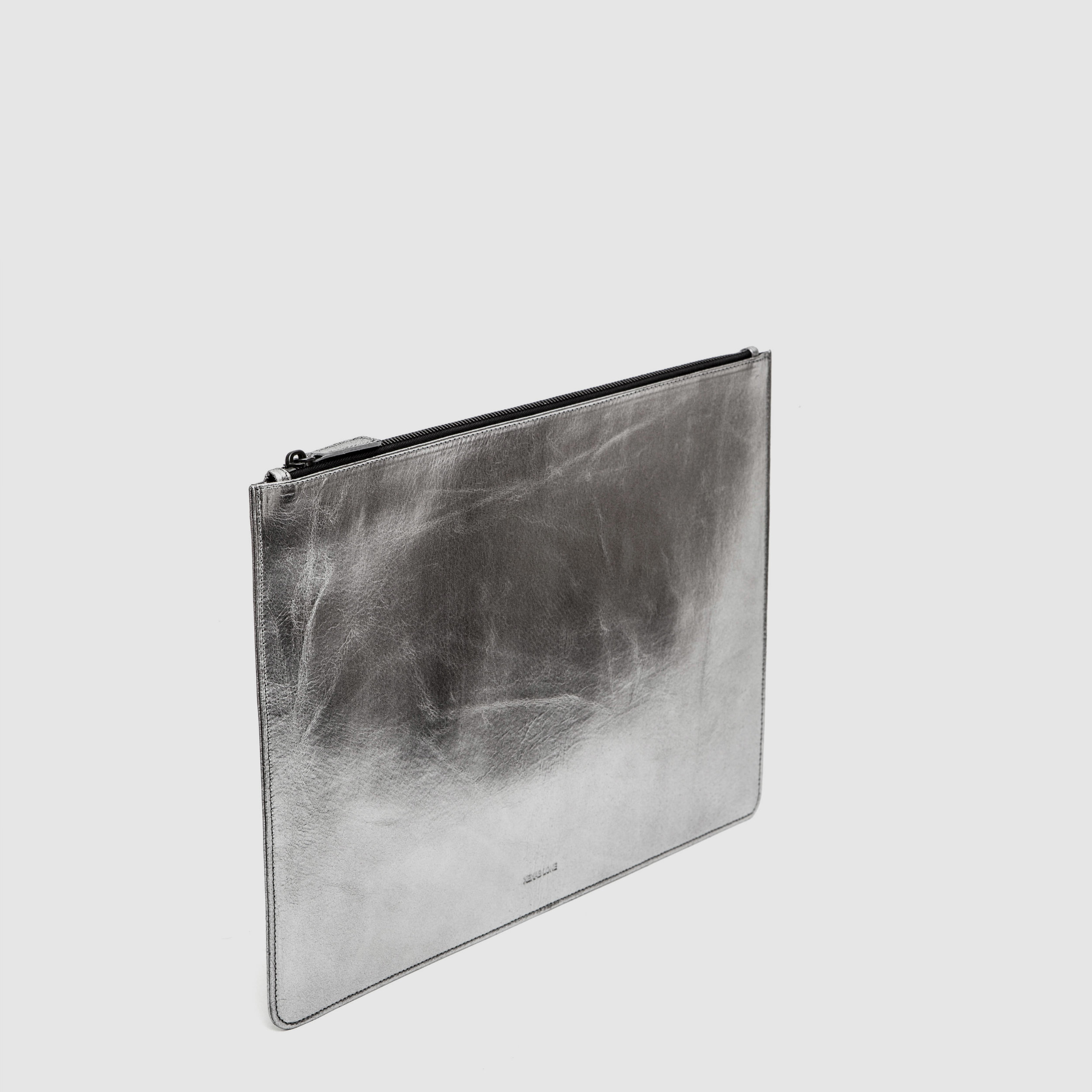 Wallets&Pouches_0000s_0002_Layer 47.jpg