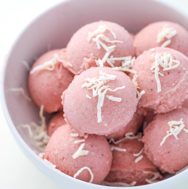 Healthy Coconut Strawberry Banana Ice Cream - The Best Paleo Desserts For Summer Gatherings That Your Guests Will Rave Over