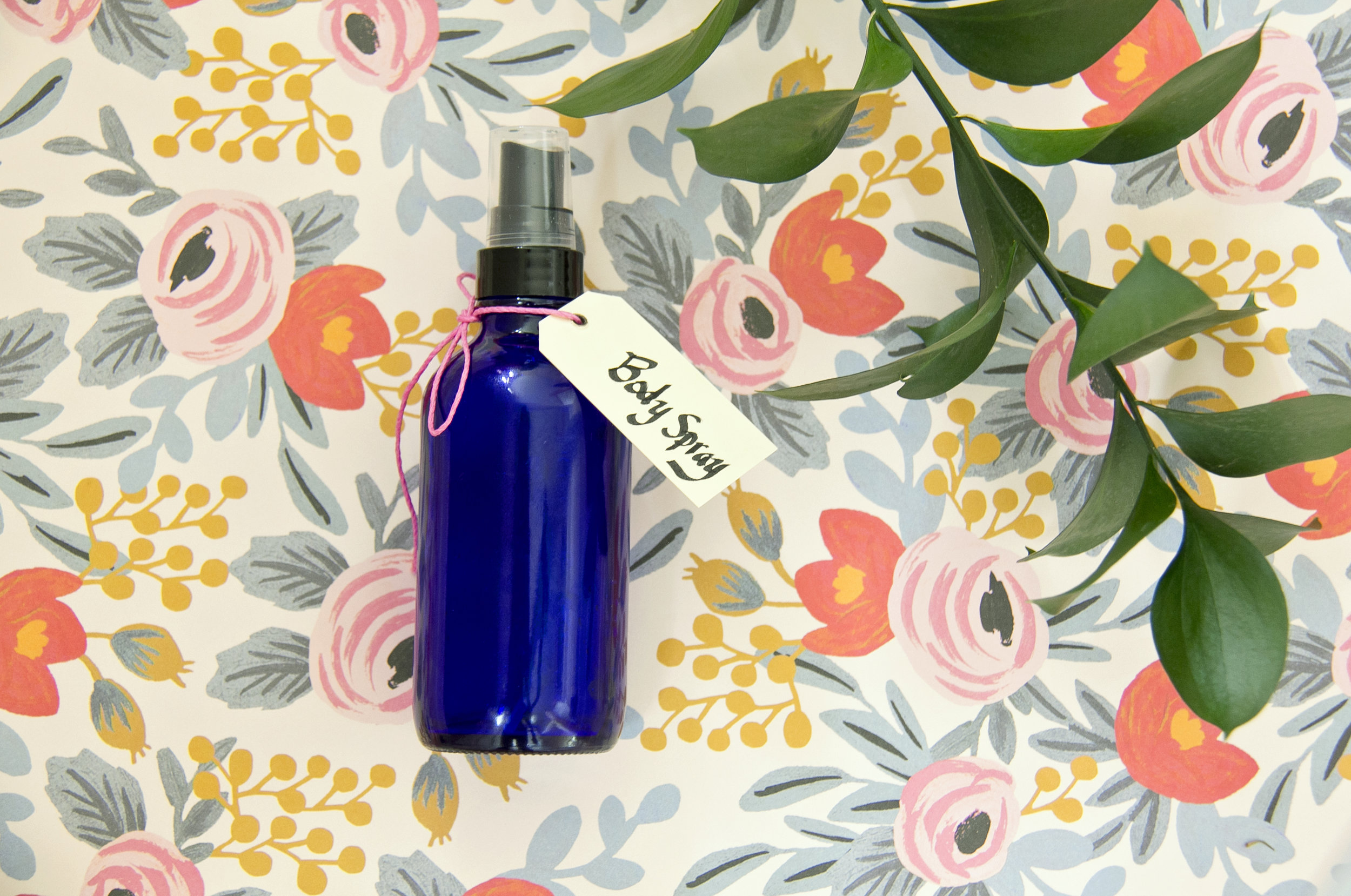 Love body sprays but hate the chemicals? Check out this easy DIY for an all natural solution!