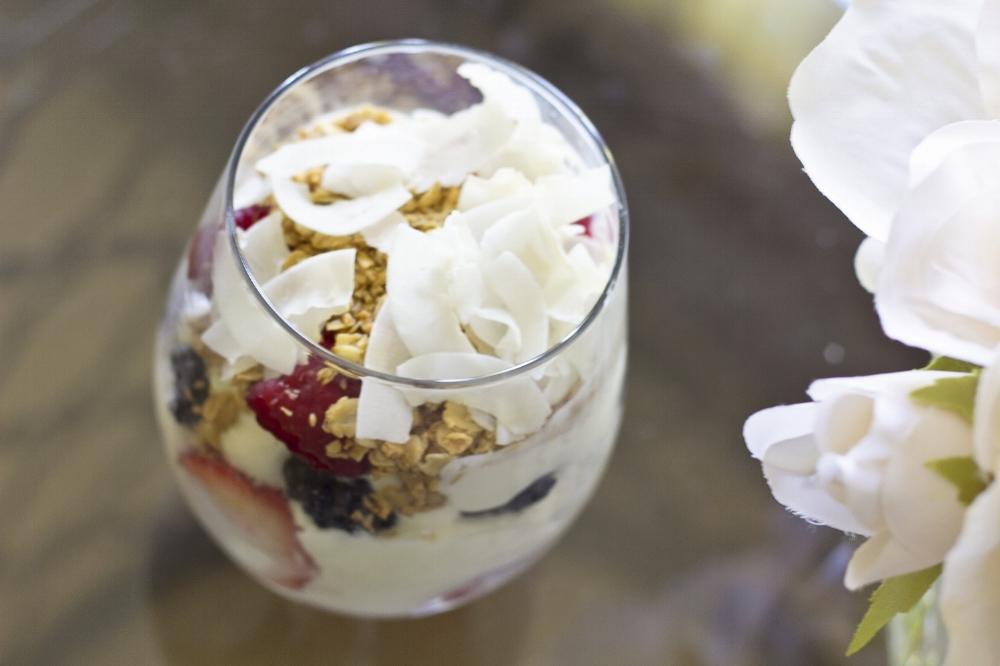 Greek Yogurt And Berry Breakfast Parfait Recipe