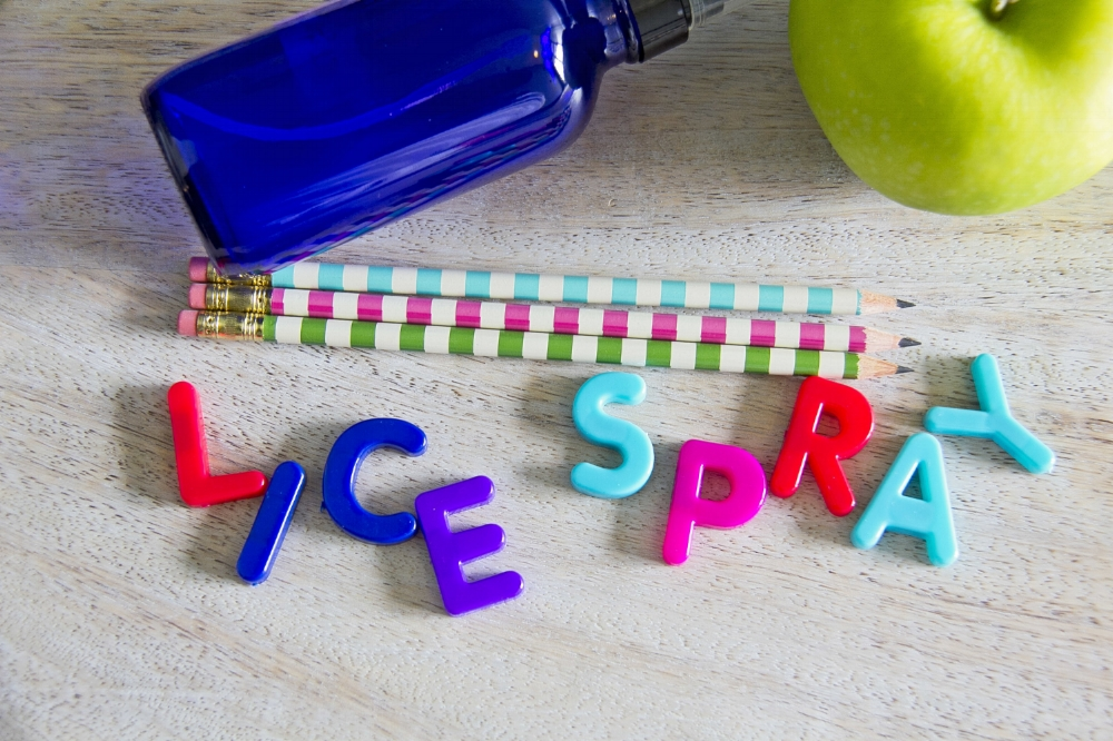 How to prevent head lice the all natural way, a recipe for lice prevention spray