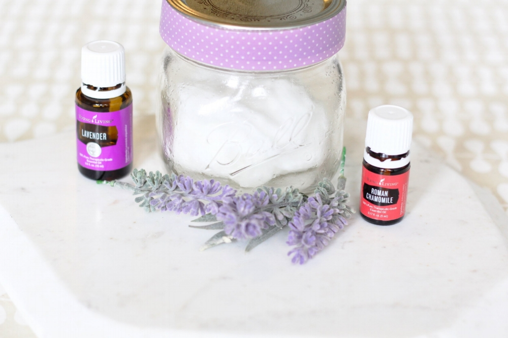 Makeup Remover DIY pads that are easy to make and uses only 4 Natural Ingredients! You can customize these pads with essential oils for added fragrance and benefits!