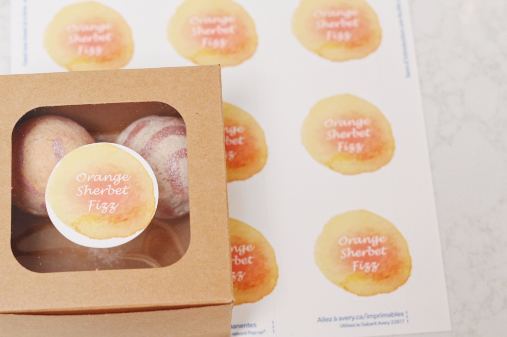 This bubbly citrus bath bomb recipe is as sweet as it gets. Combined with these free, cute printable labels this would make a perfect gift!