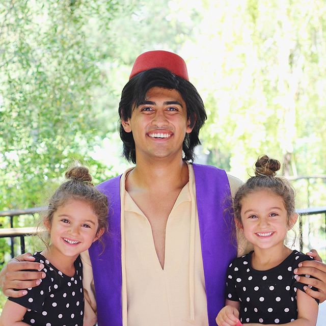 We kicked off our fun weekend last Friday watching Aladdin in the theaters... and now the girls pretty much think they are Princess Jasmine 👸🏻👸🏻 I dug up this old photo to remind them that they have met Aladdin before and they were speechless. I told them not to get their hopes up that they will see him at Disney this summer because I have a feeling that line is going to be much longer than last year 😂 . Have you all seen the remake? If you haven't I highly recommend it, it is sooo good!! Now, tell me, what fun things did you do over the weekend? #aladdin #princessjasmine #disneymom #disneyland #disneylife