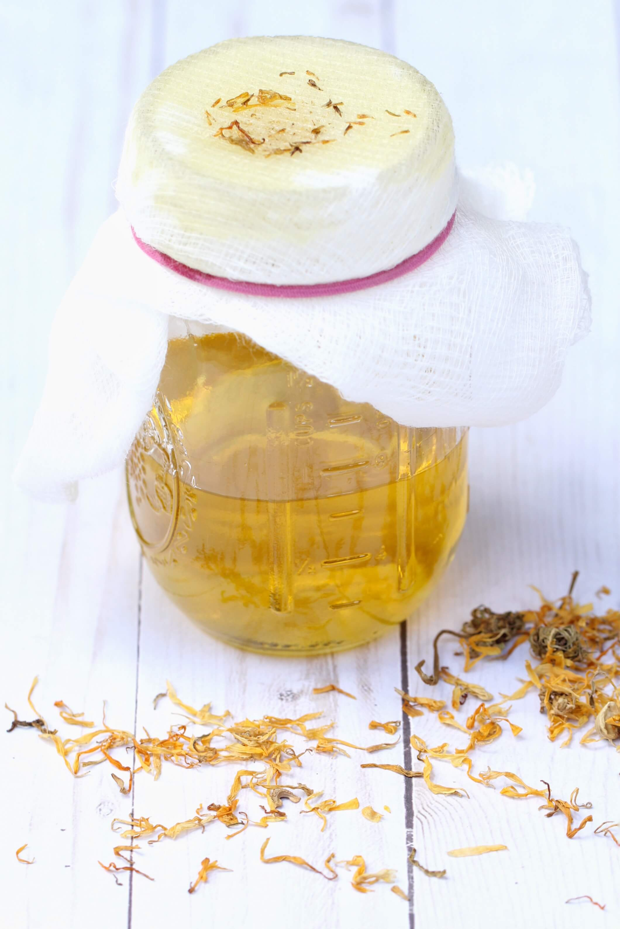 This DIY Calendula Oil recipe uses natural ingredients and is a multi use lifesaver for skin!