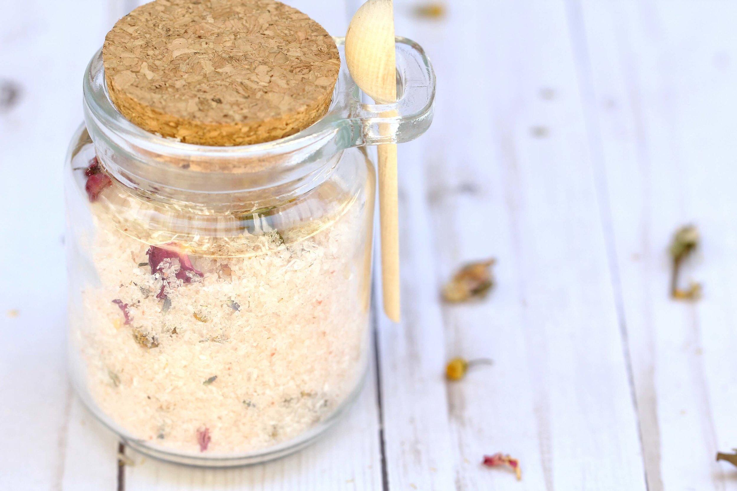 Easy-homemade-bath-salts-recipe