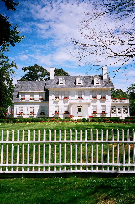 EastHamptonWhiteHouse.jpg