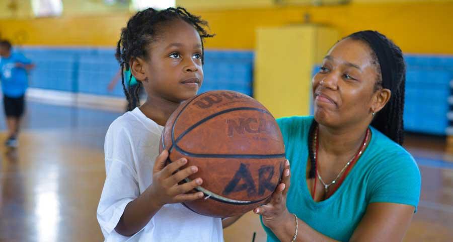 ark-stsabina-slideshow-basketball-coach-900480.jpg