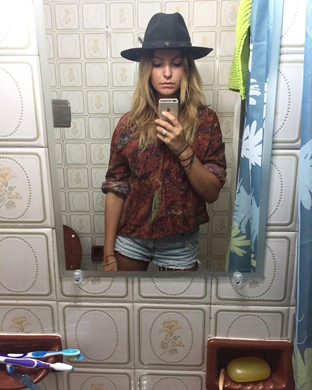 PROJECT BAÑJO // bathroom selfies in Argentina