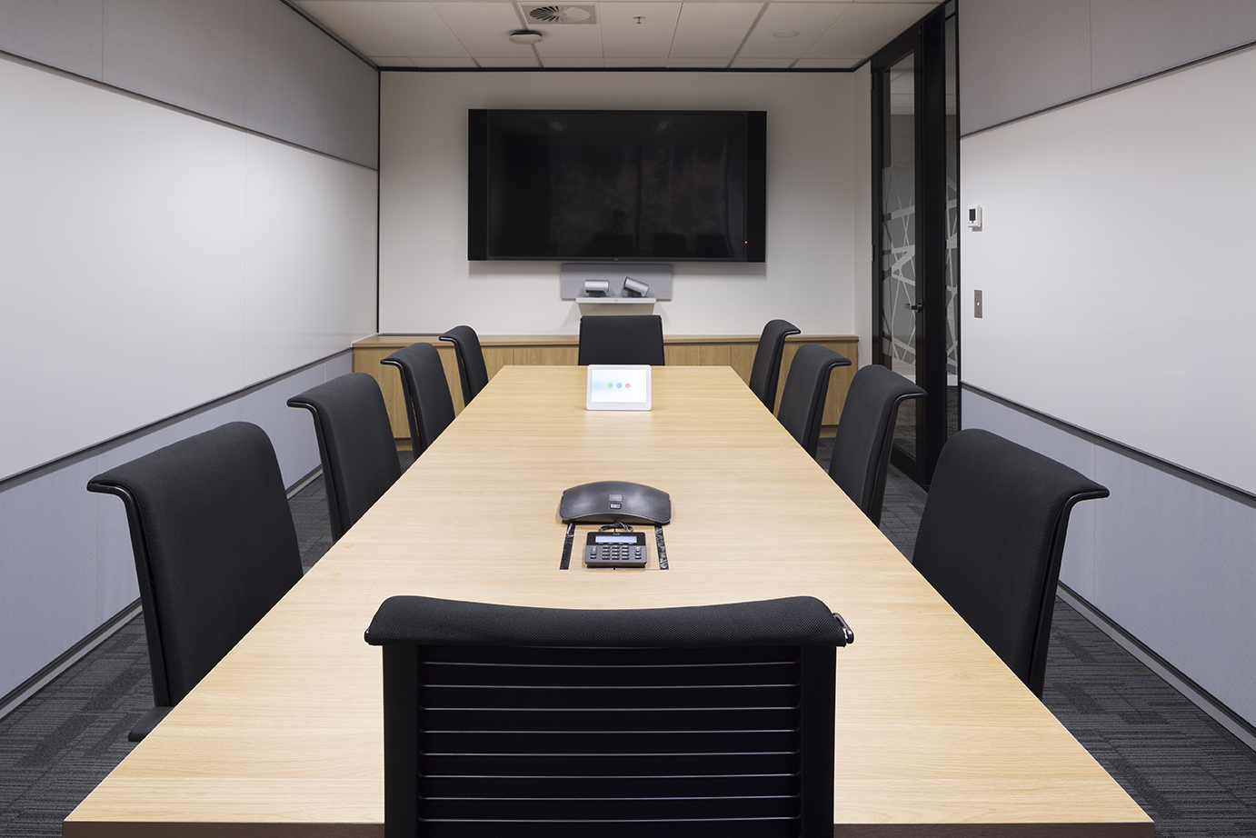 Tall Architects are experts at designing board rooms that integrate the latest VC (Video Conferencing) technologies.
