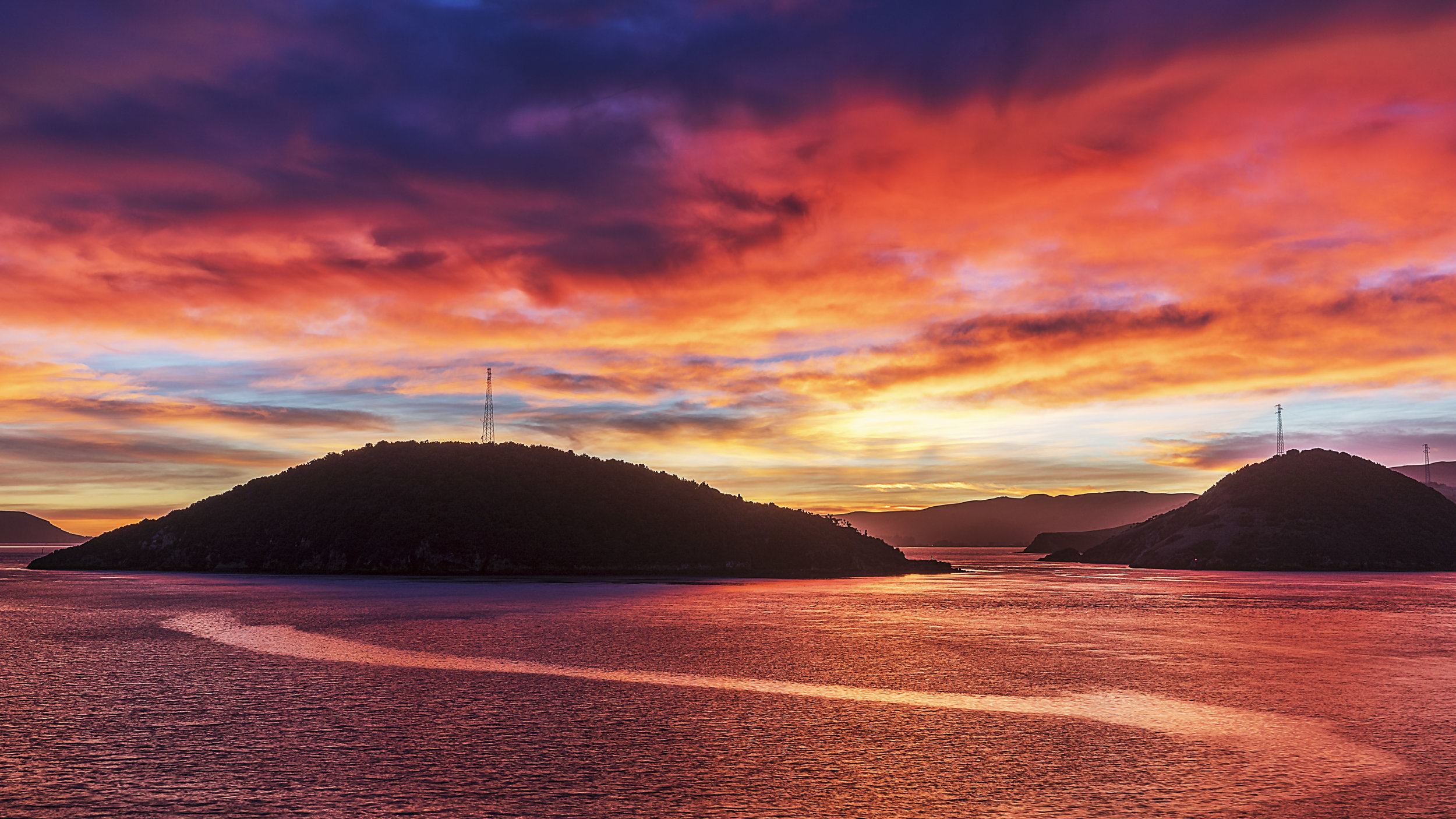 Rakiriri Island Sunrise by Andy Thompson