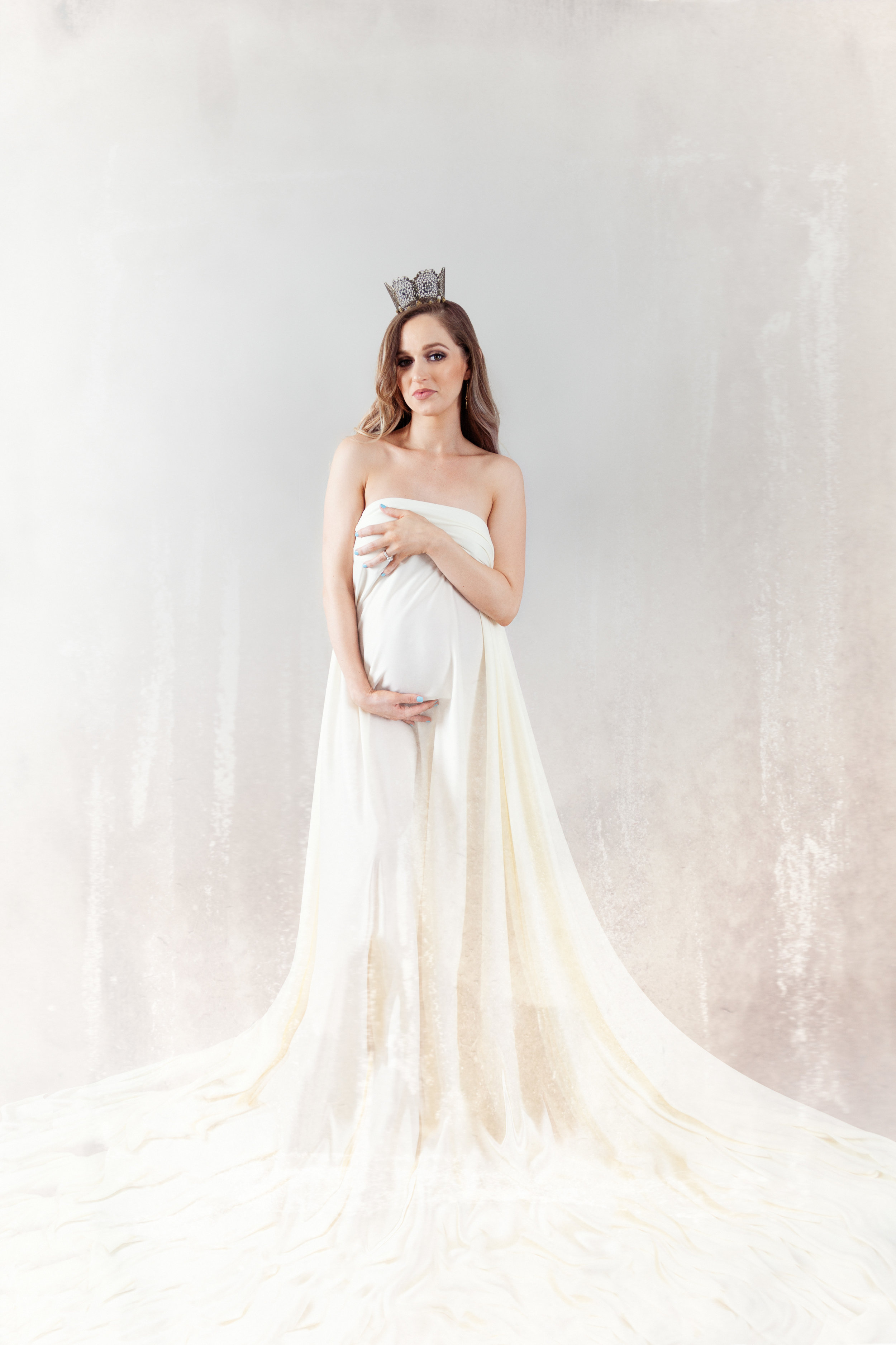 Artistic Maternity - $150 session feePre-consultationAccess to wardrobe and accessories60 min. in-studio session$95 per digital file