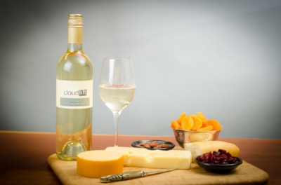 Image of Cloudlift Cellars white wine with cheese plate.