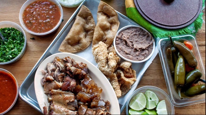 Image from: https://munchies.vice.com/en_us/article/d7ky5v/people-have-been-lining-up-to-eat-chicagos-best-carnitas-for-over-40-years