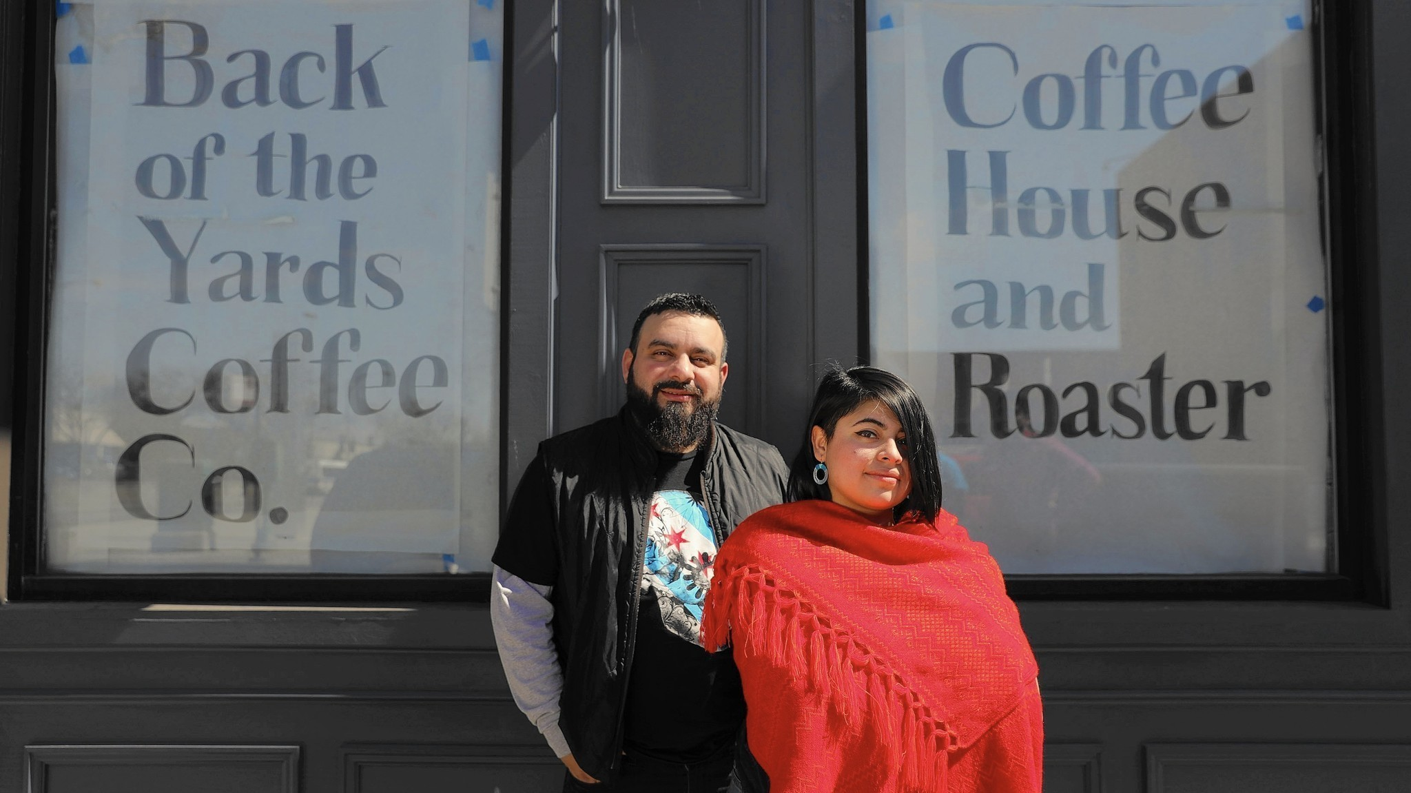 Jesse Iñiguez and Maya Hernandez. Image from:  https://www.chicagotribune.com/columns/mary-schmich/ct-back-of-the-yards-coffee-shop-mary-schmich-0326-20170324-column.html