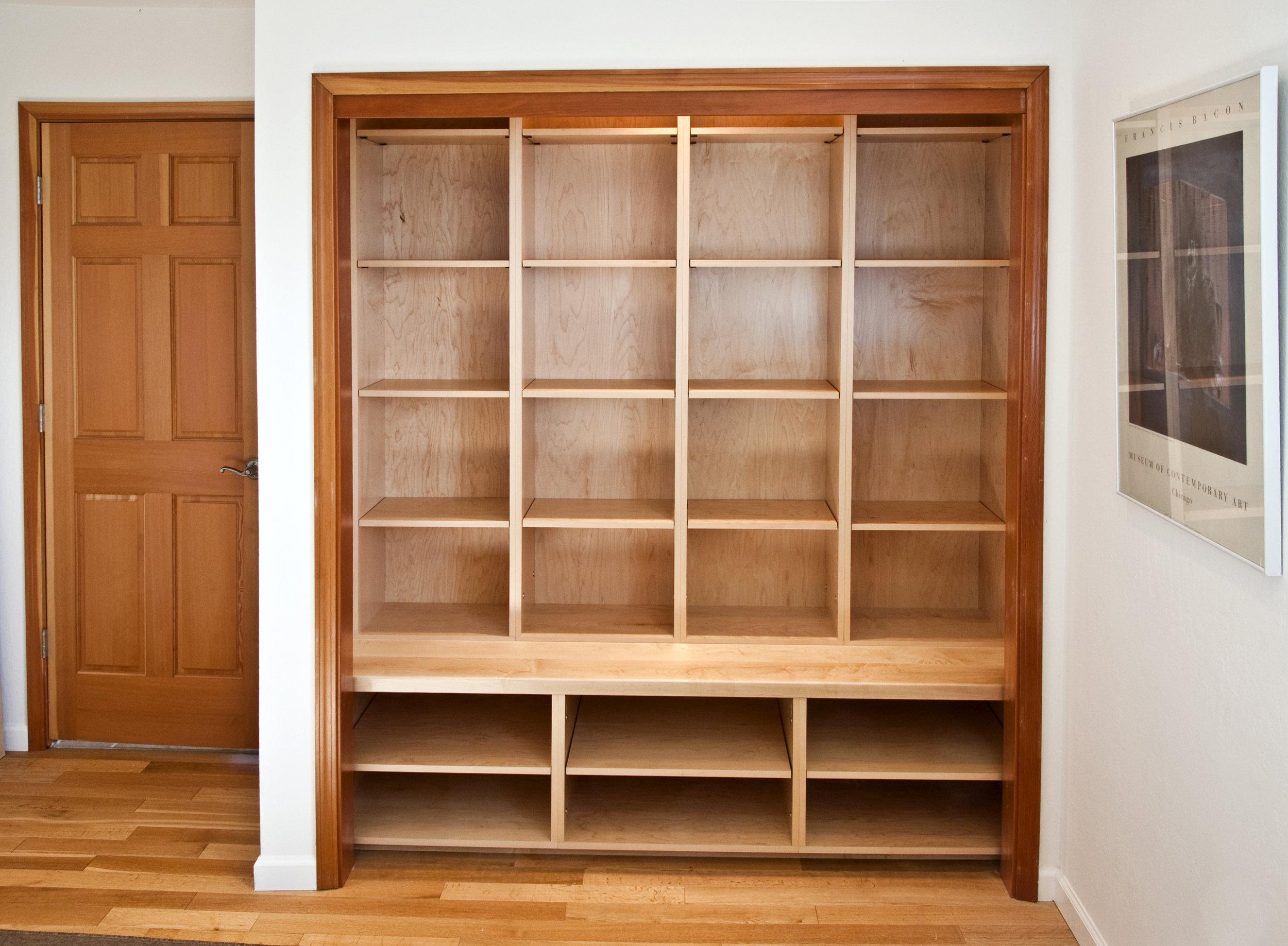book closet 5827.jpg