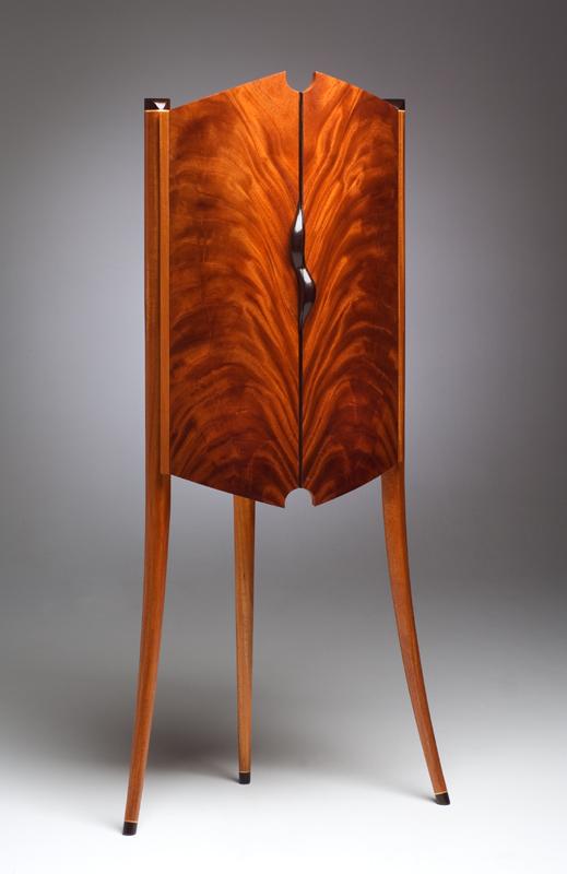 jewlery cabinet.jpg