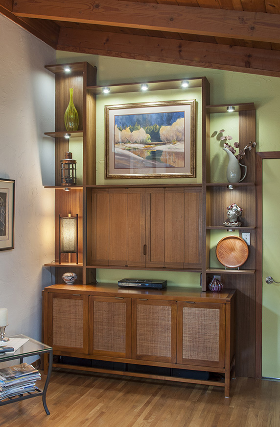 rrs-wall-unit-8235-closed-sm.jpg