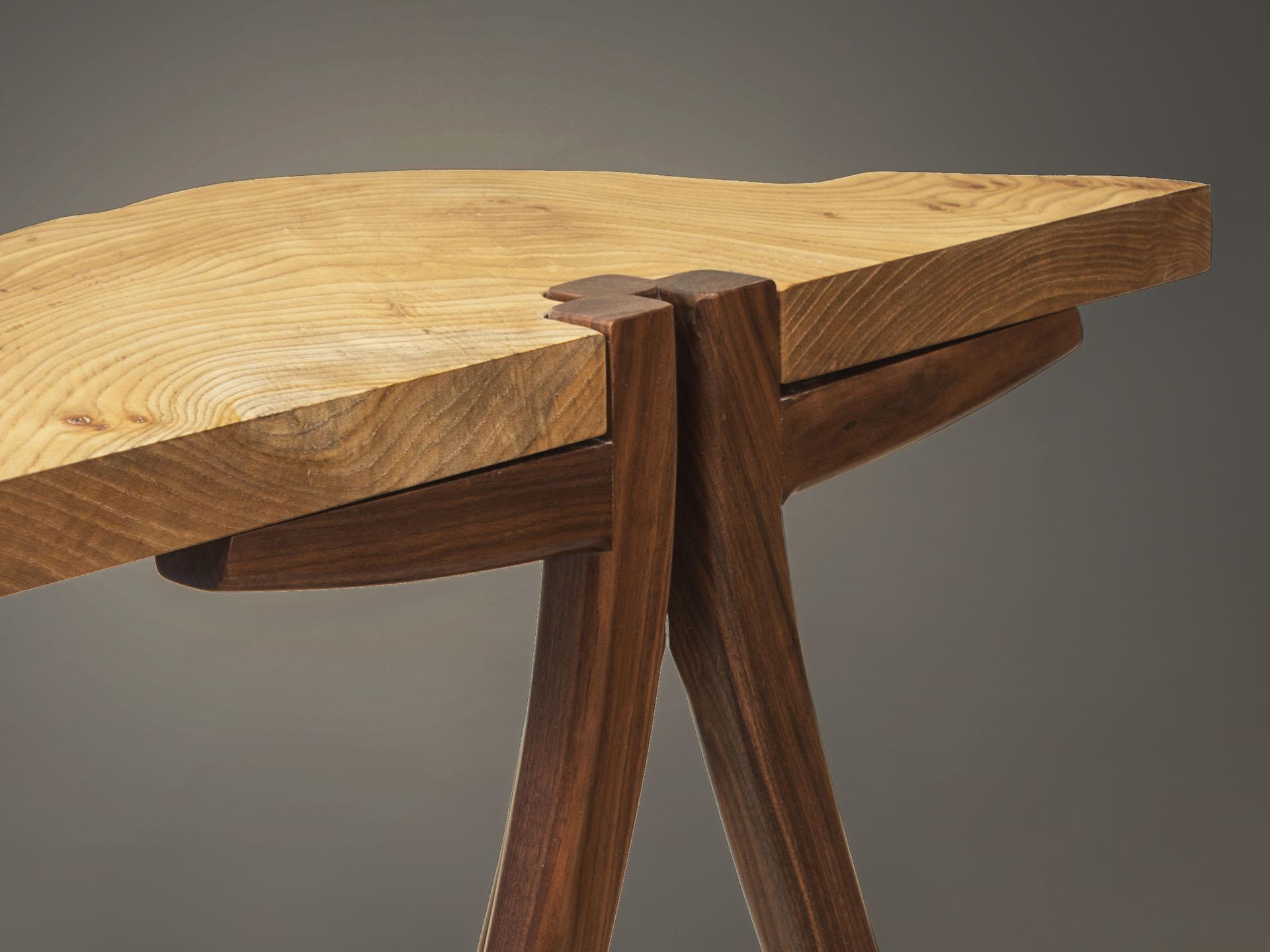 khls table detail 0841 sm.jpg