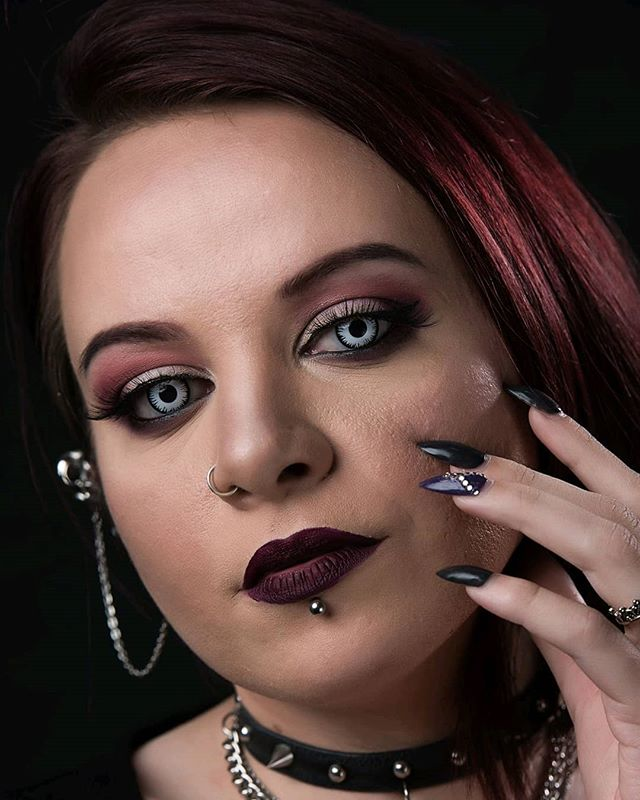 I got Nightshade Beauty in the studio to get some shots of her new contacts from Spooky Eyes! Go give her a follow!!! ⠀ #headshot #headshots #portraitphotography #professional #photographer #headshotphotographer #personalbranding #headshotphotography #portraitphotographer #beauty #beautyblogger #makeup #makeupinfluencer #beautyinfluencer #flawless #makeuplook #motd #goth #gothic #gothgirl #alternative #lippiercing #pierced #bodyjewelry #paleskin #palegirl #photoshoot #contacts #spookyeyes #florida