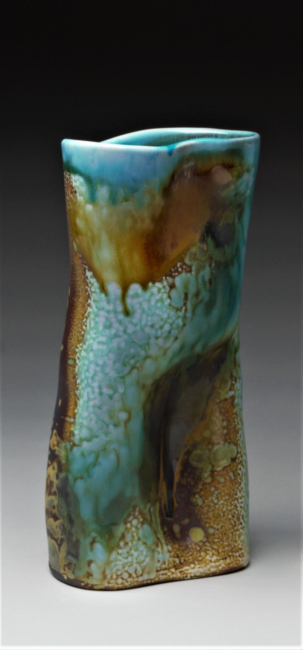 Single Figure Vase.jpg