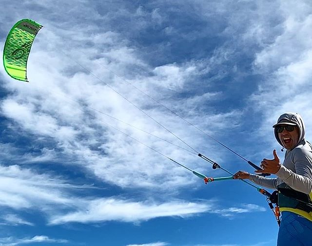 Can you see it coming? #laventana #kiteboarding season is around the corner. Get stoked and book your trip!! 🤙🏼🇲🇽🏝 #CasaTorote  #vrbopremierpartner #airbnbsuperhost #elsargentobcs #laventanabcs #Baja #Mexico #bajalife #kiteboarder #kitesista #kitesurfer #kitefoiling #mtb #fishing #fishingbaja  #travel #vacationrentals #vacations #vacationhomes #kiteboardingdestination #getaway #vrbo #airbnb #bestofairbnb