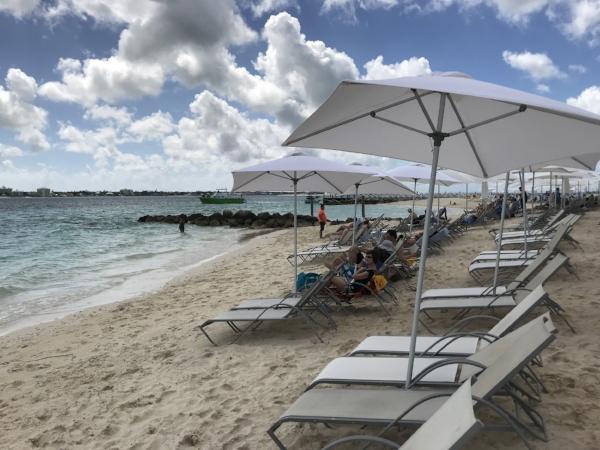 Beach bahamas.jpg