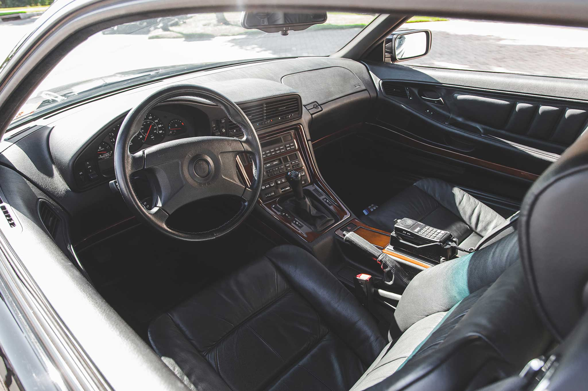 1994-BMW-850CSi-cabin-01.jpg