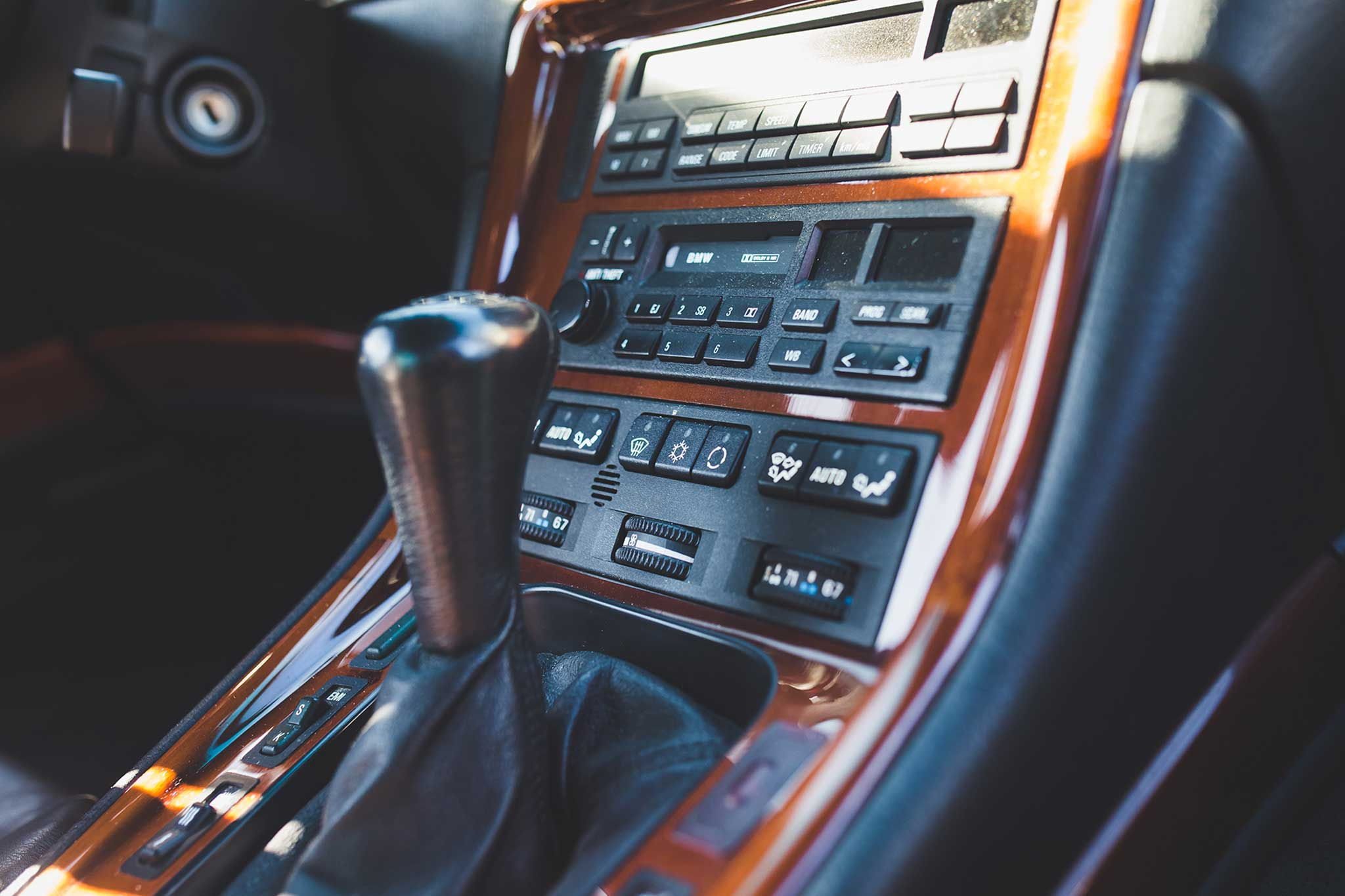 1994-BMW-850CSi-climate-control.jpg