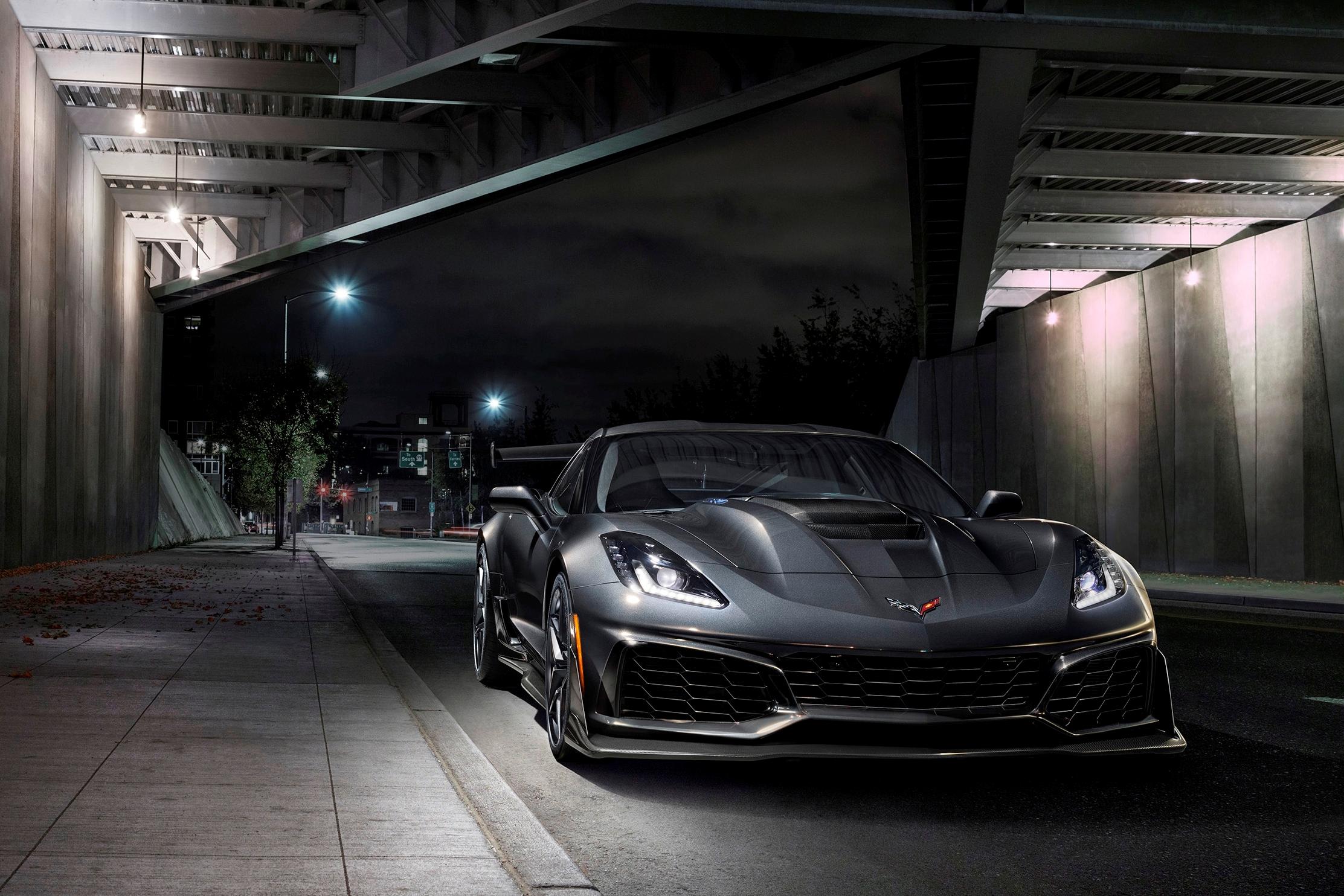 2019-Chevrolet-Corvette-ZR1-BLACKLIST-(19).jpg