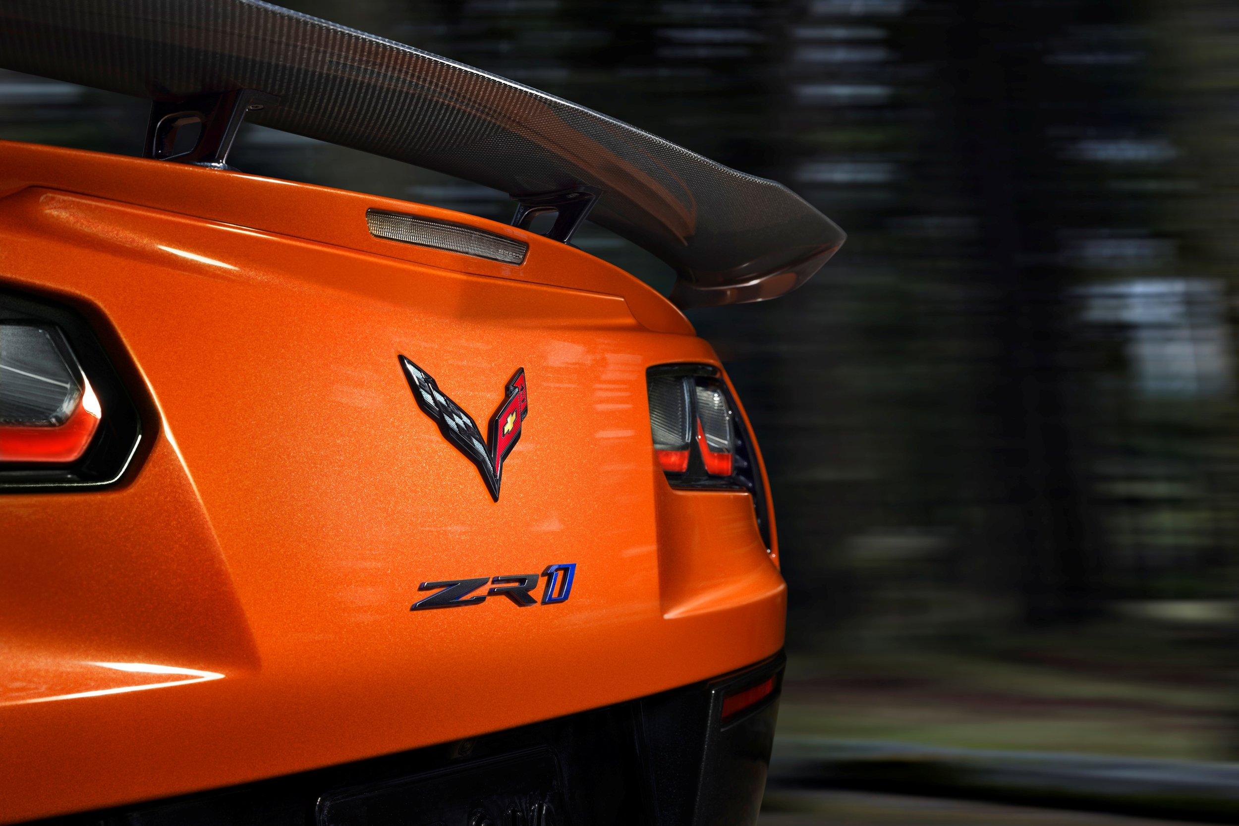 2019-Chevrolet-Corvette-ZR1-BLACKLIST-(23).jpg