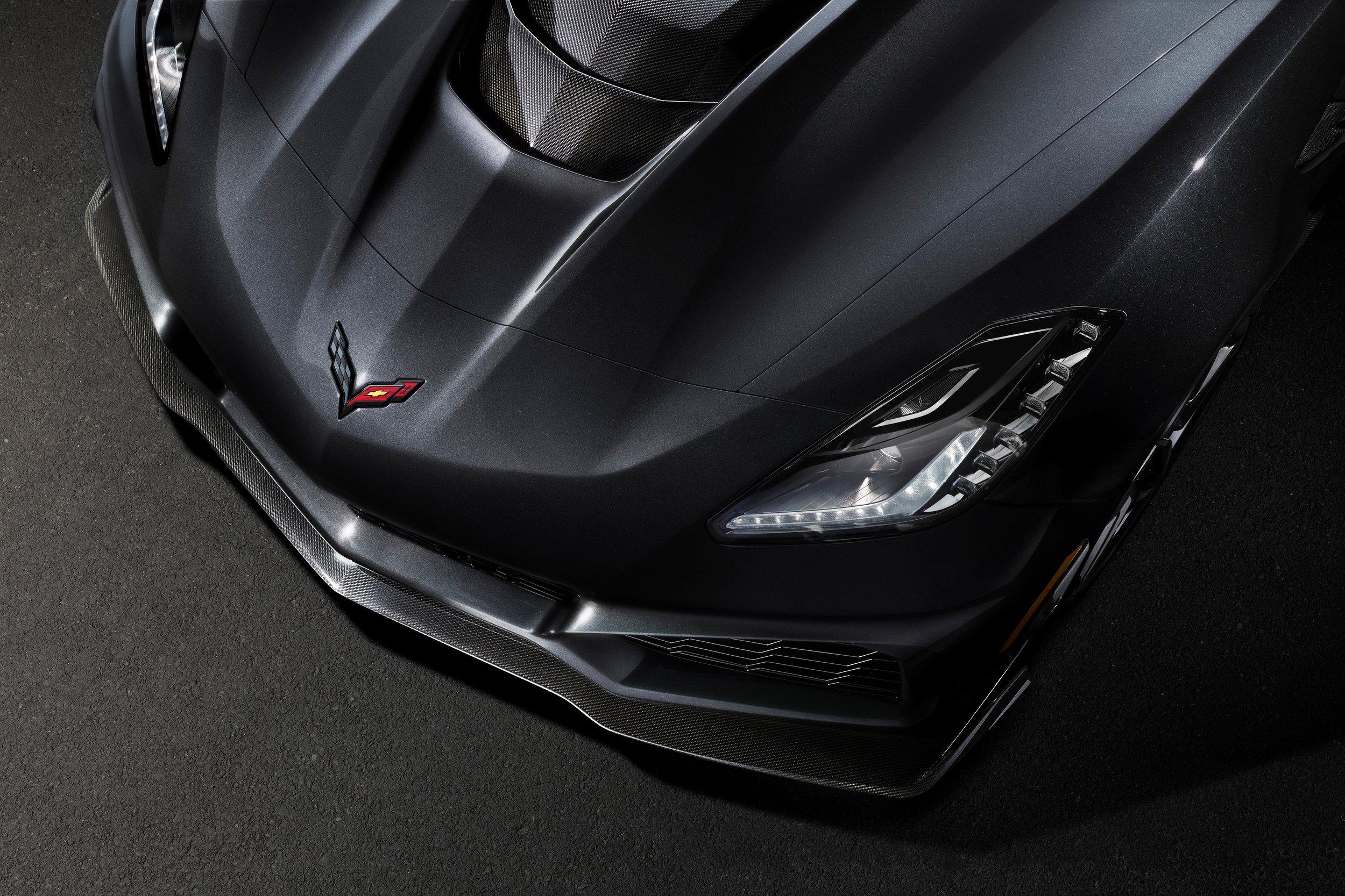 2019-Chevrolet-Corvette-ZR1-BLACKLIST-(22).jpg