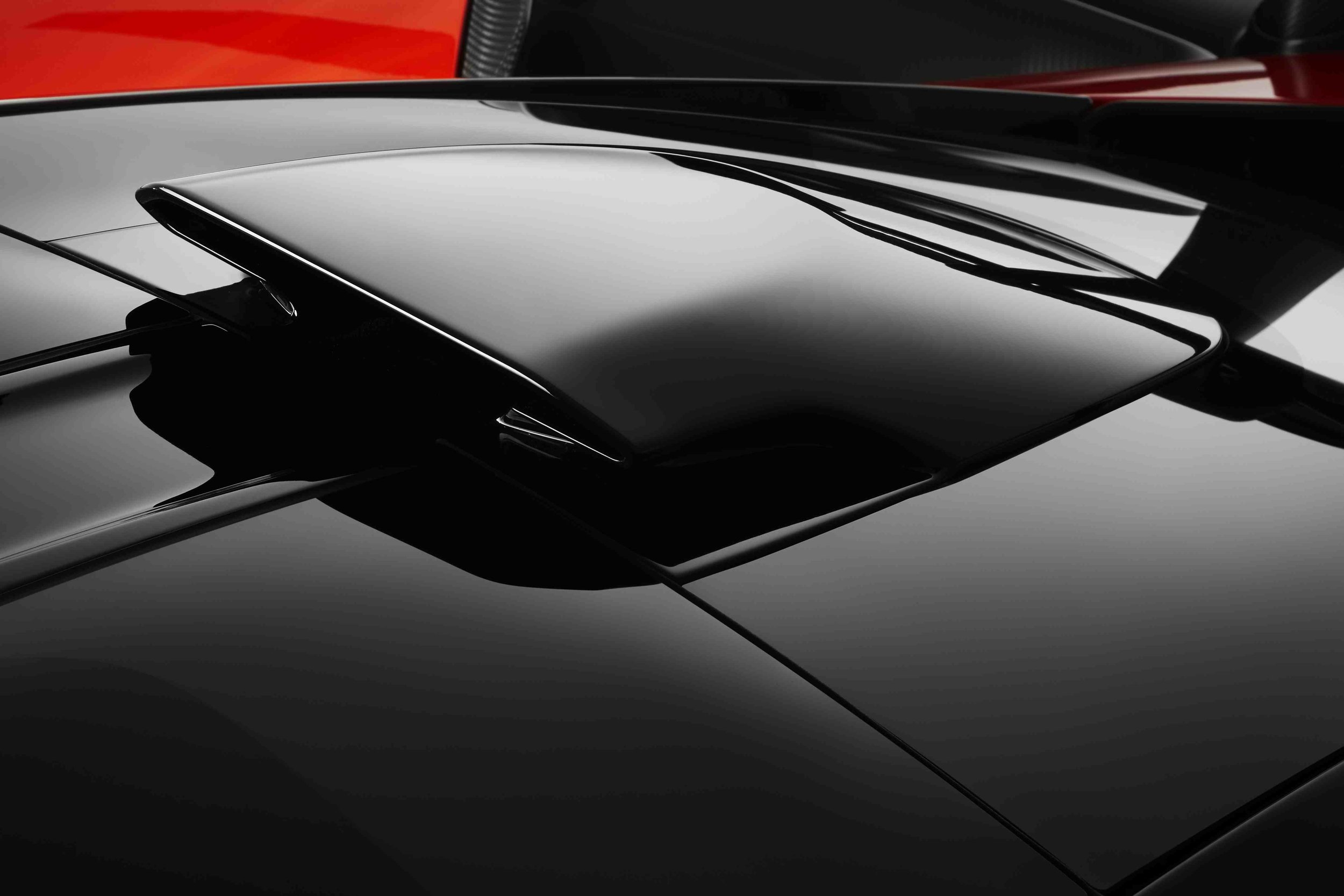 8617McLaren-Senna-roof-scoop.jpg