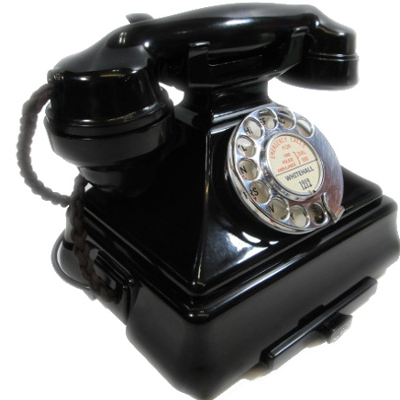 antique-telephones.png