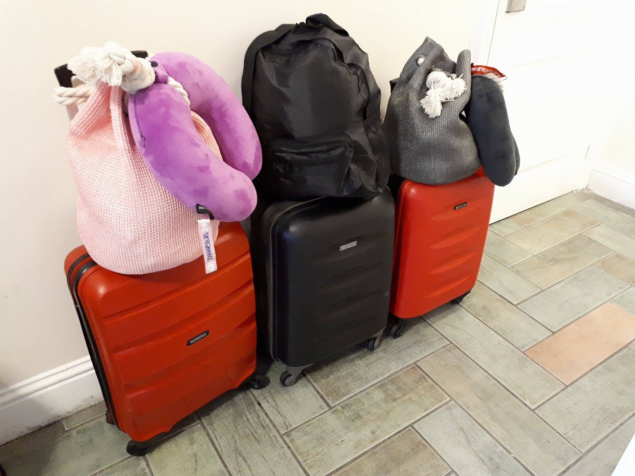 Lynda persuaded her travel companions to also travel light.