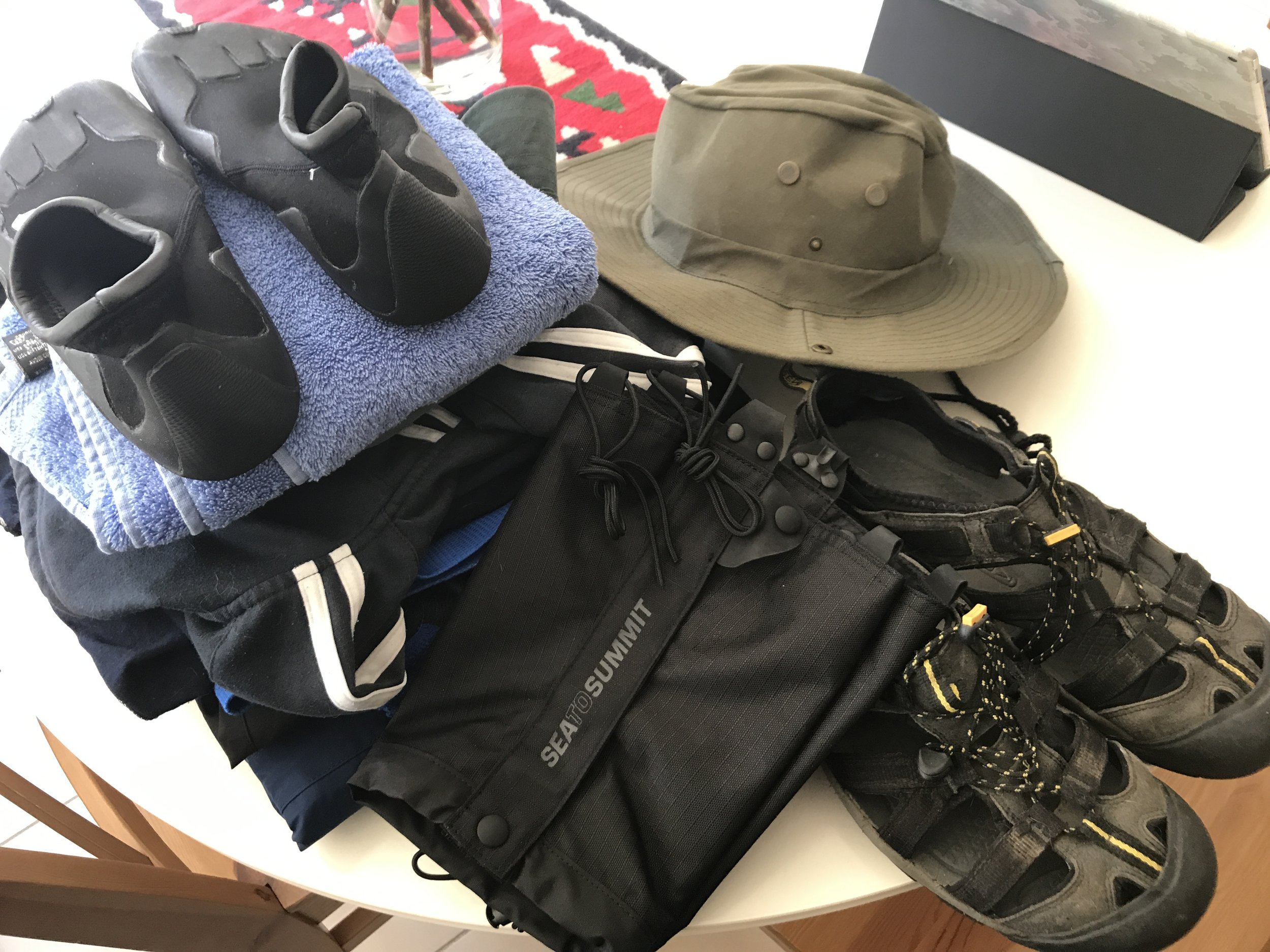 Travel packing clothes