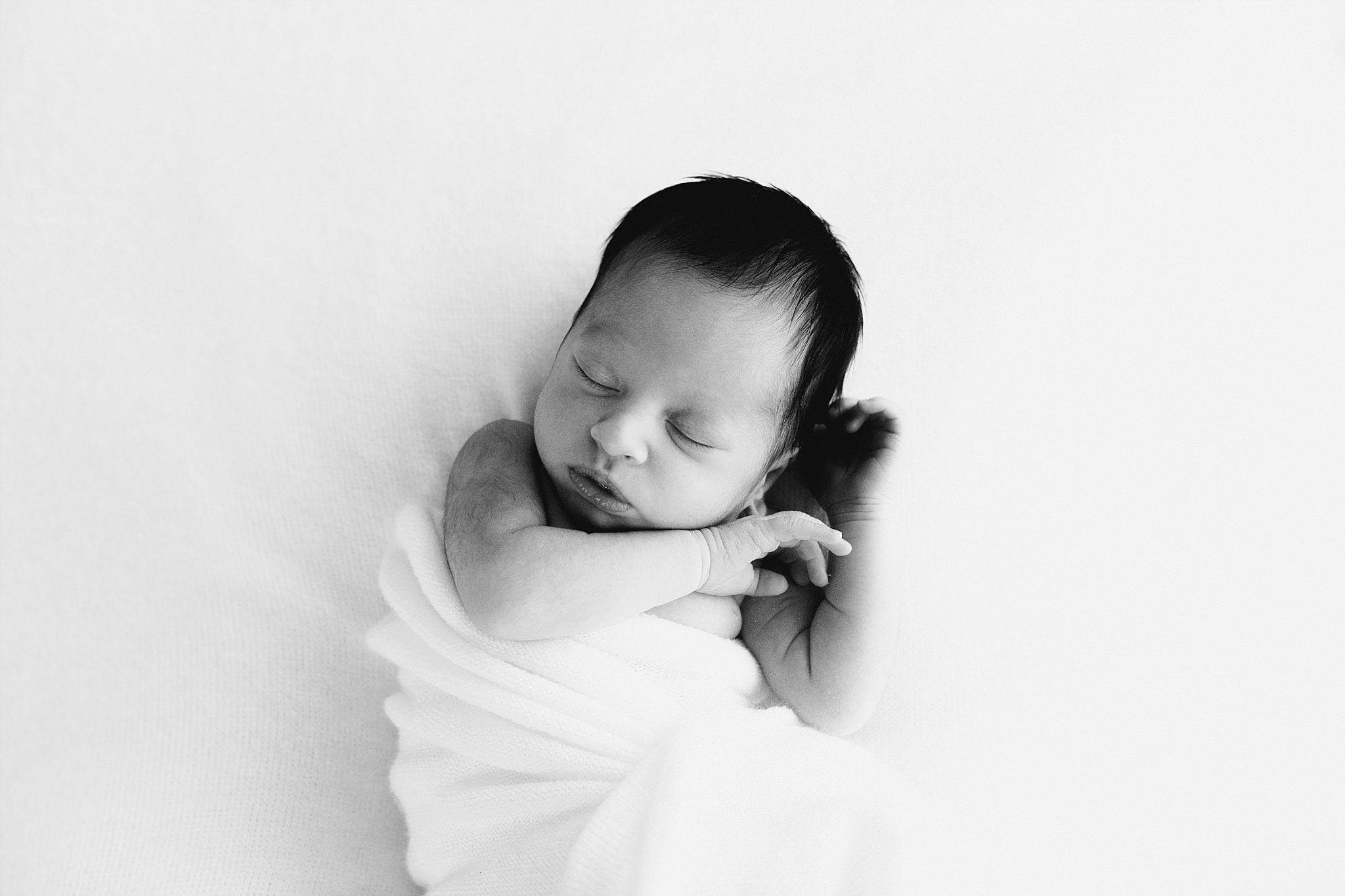 Melbourne Newborn Photographer, natural and candid moments_0013.jpg