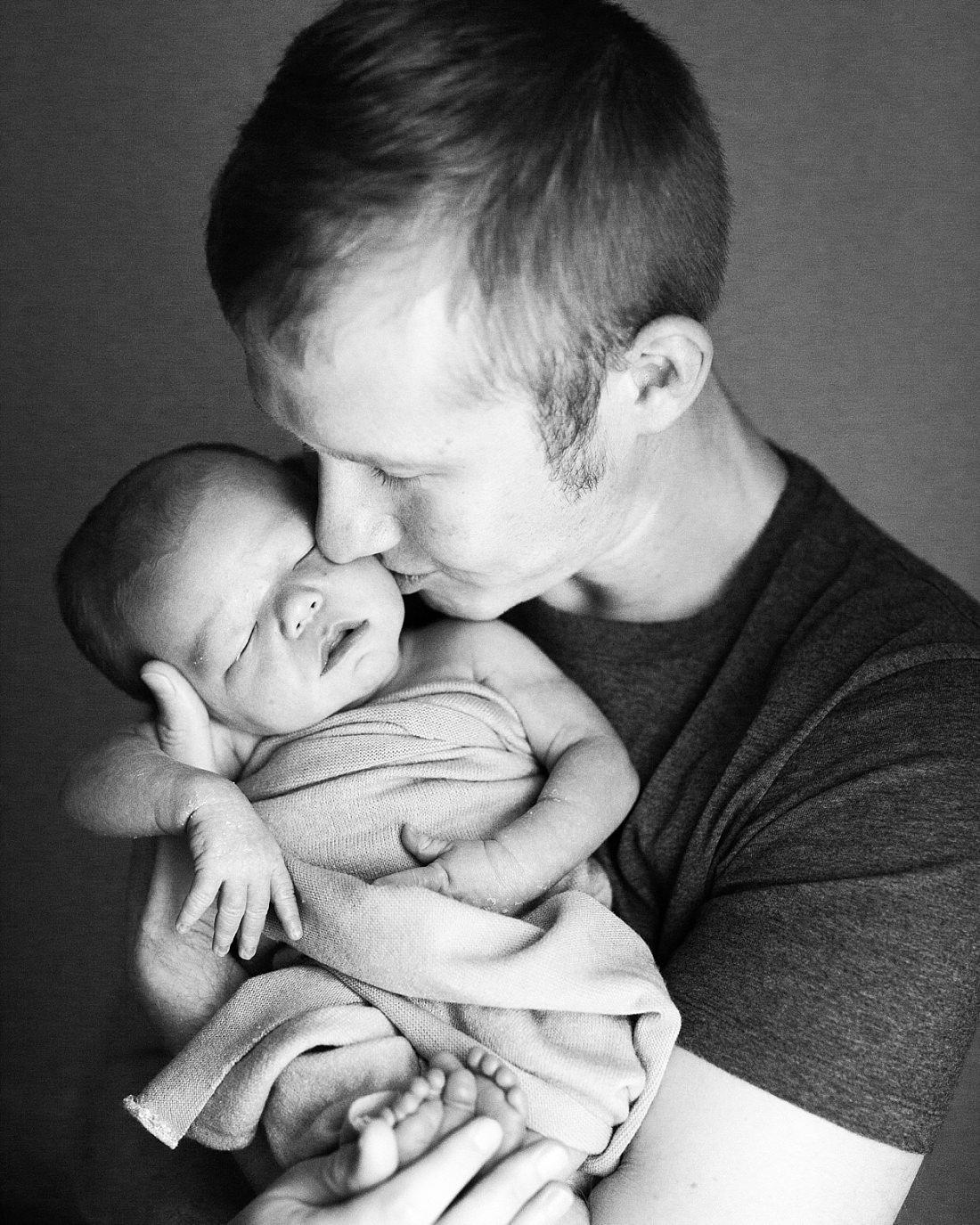 Point Cook Newborn Photographer-39.jpg