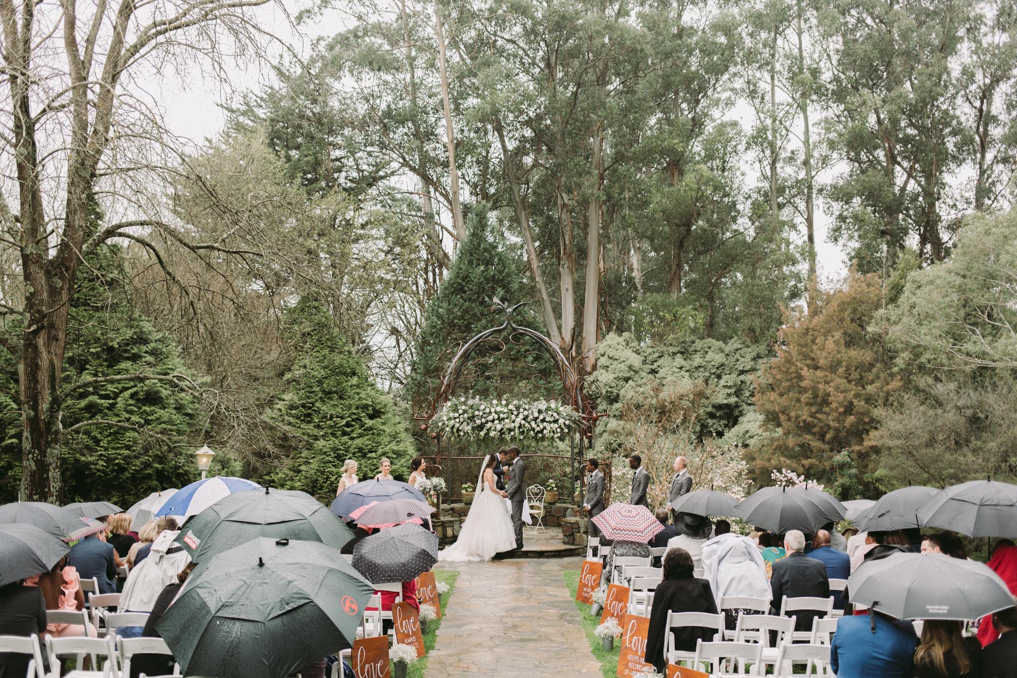 dandenong rainy wedding photography-5.jpg