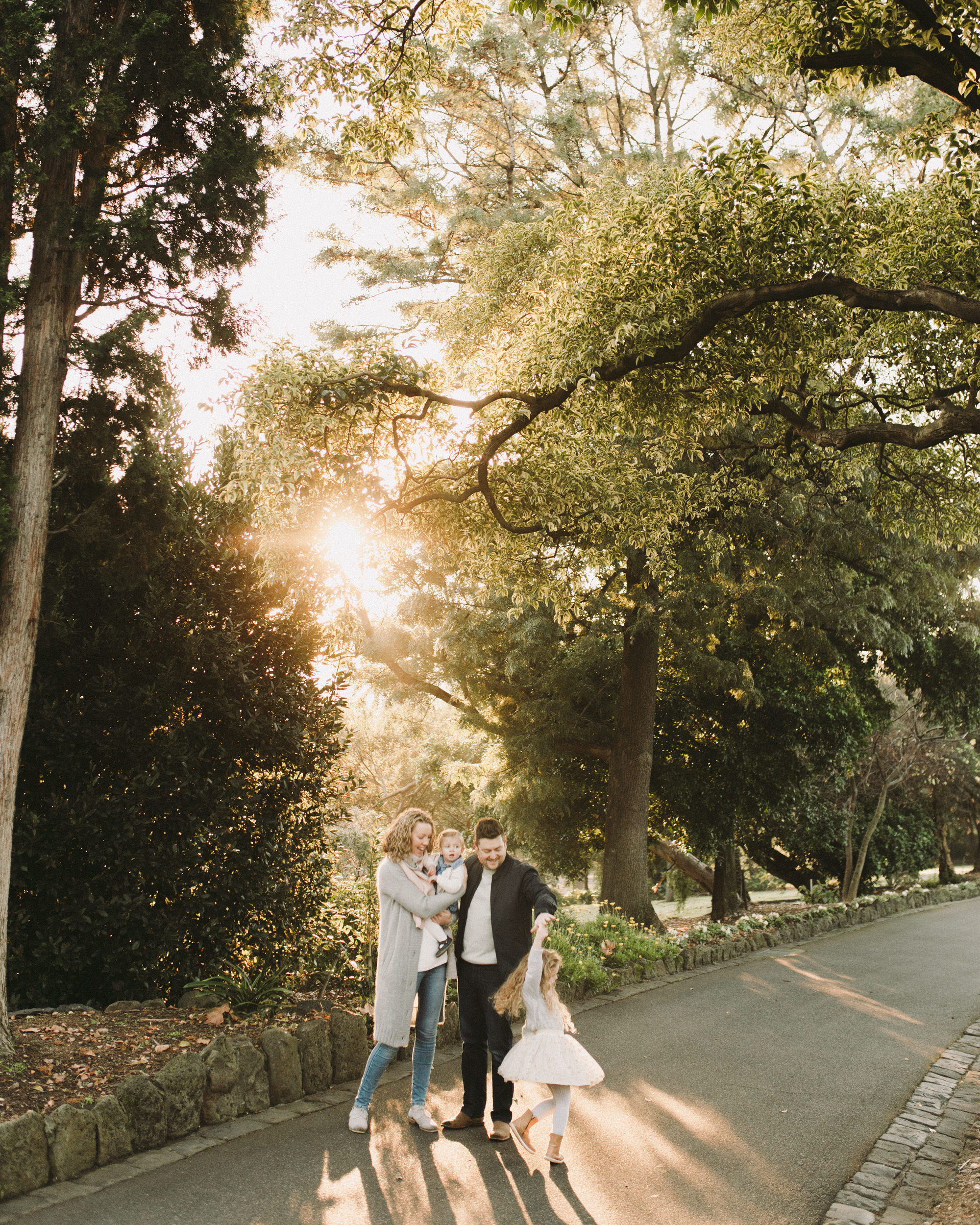 Footscray Park and Gardens Family Photographer (3 of 15).jpg