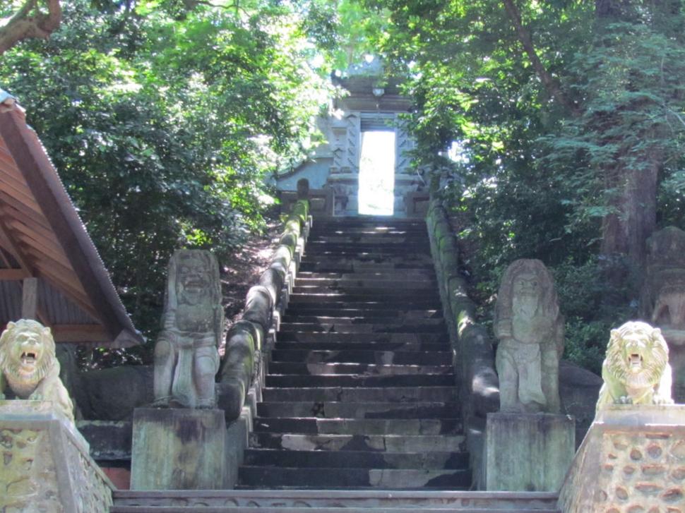 pengsong-temple-gate.jpg