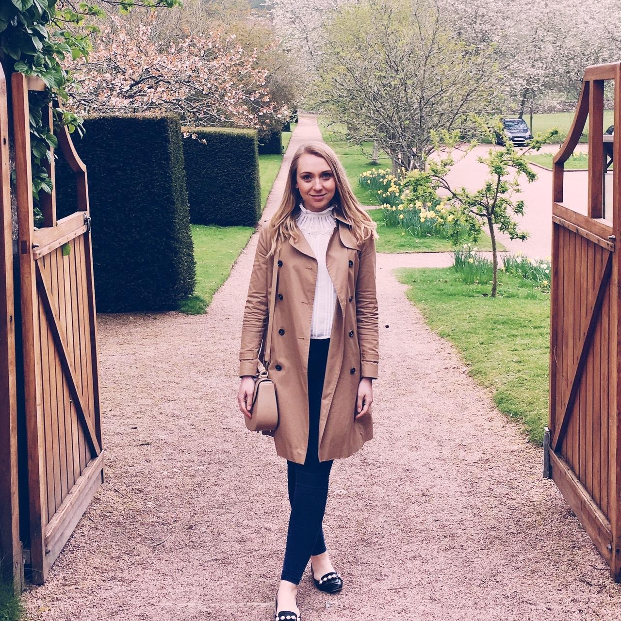 Massimo Dutti Trench Coat  Aspinal of London Saddle Bag   Allsaints Blouse   Topshop Joni Jeans  Topshop Pearl Shoes